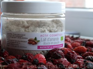 watermarked - petitgrainandcoffee-laitdamandedouce-powder1